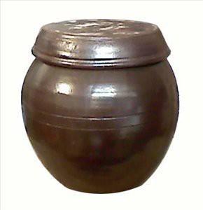 Onggi jar